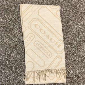 Coach scarf barely used